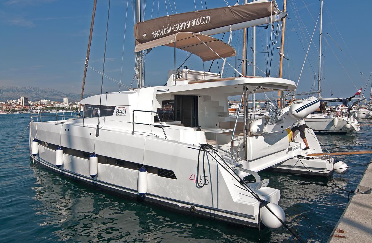 Bali 4.5 Adria Chicha | Catamaran Charter Croatia