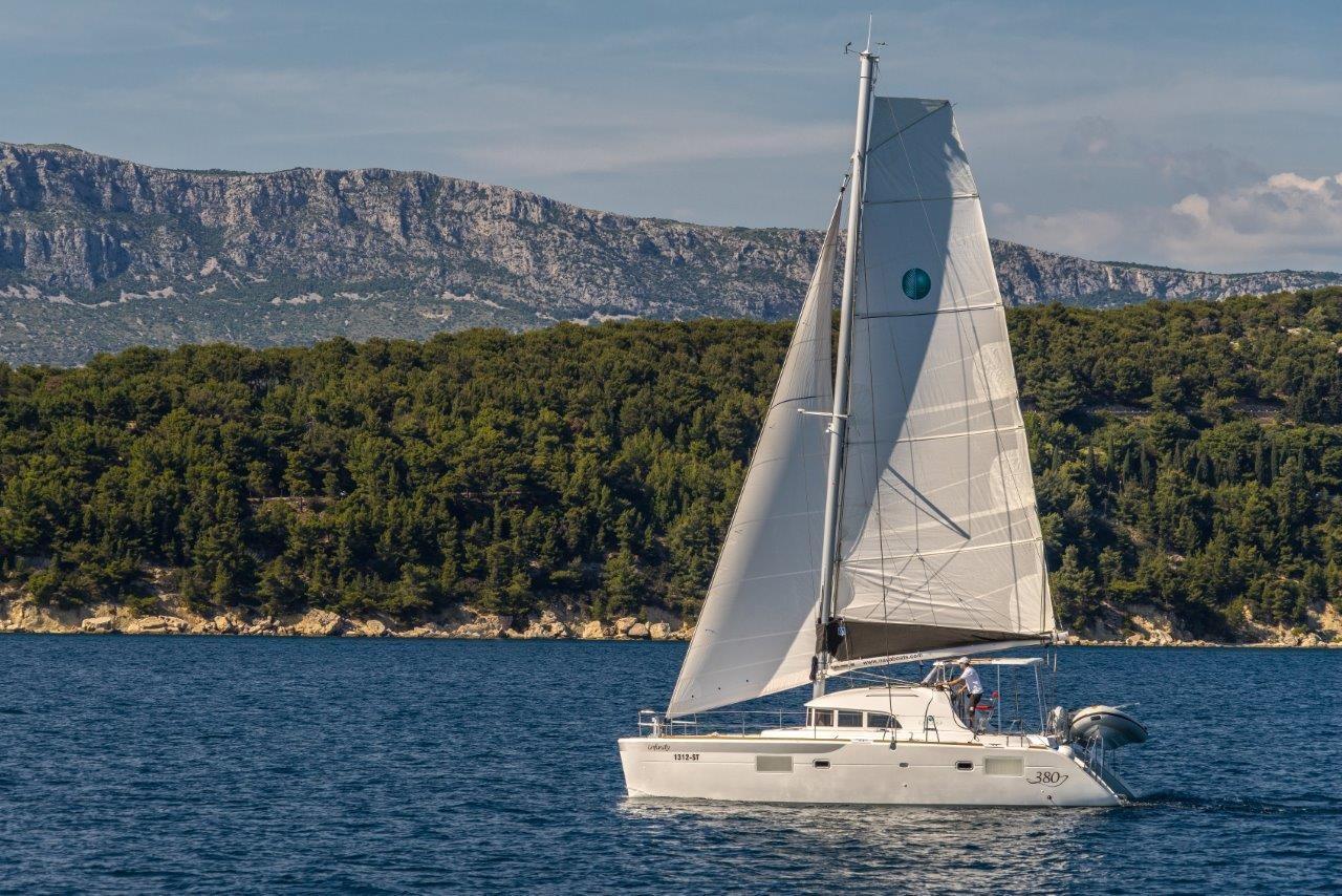 Lagoon 380 Queen Mia | Catamaran Charter Croatia