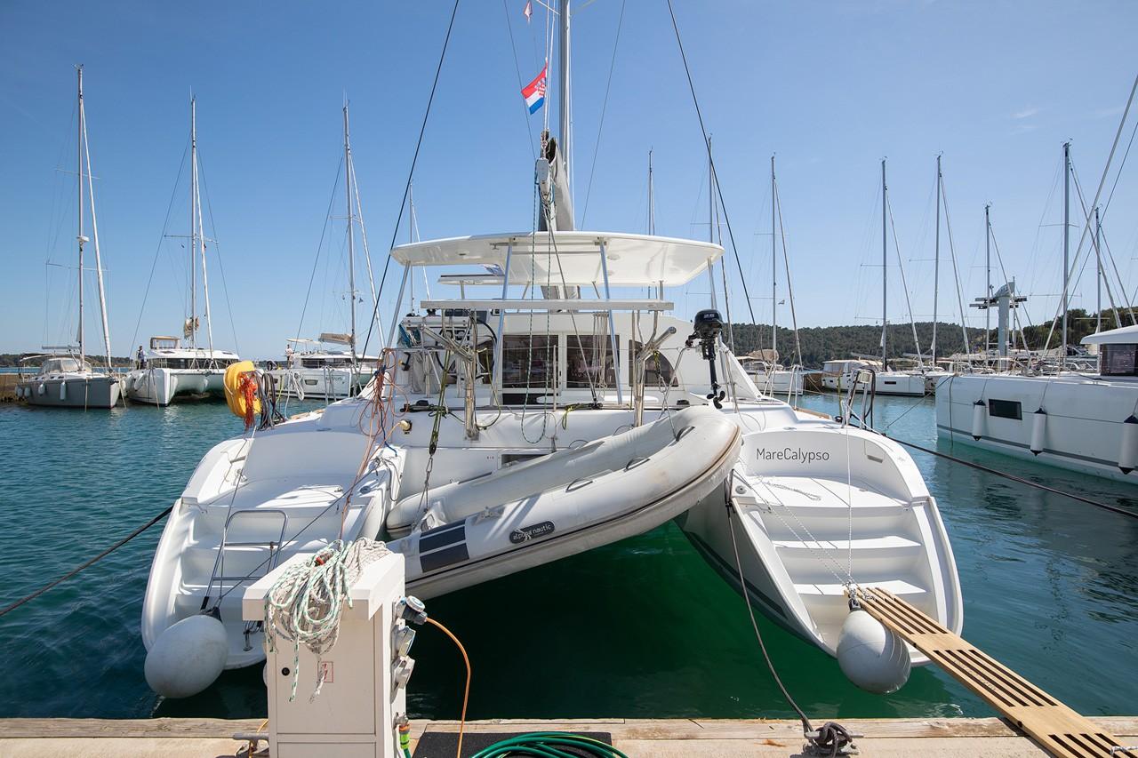 Lagoon 380, MareCalypso | Catamaran Charter Croatia