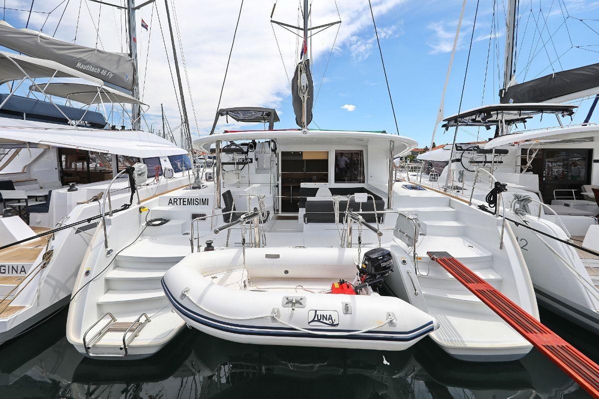 Lagoon 400 S2, Artemisimi | Catamaran Charter Croatia