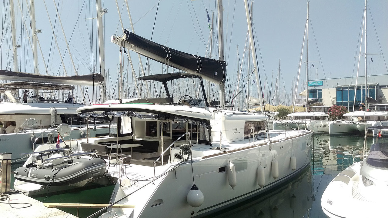 Lagoon 450 F, RED TWIN II | Catamaran Charter Croatia