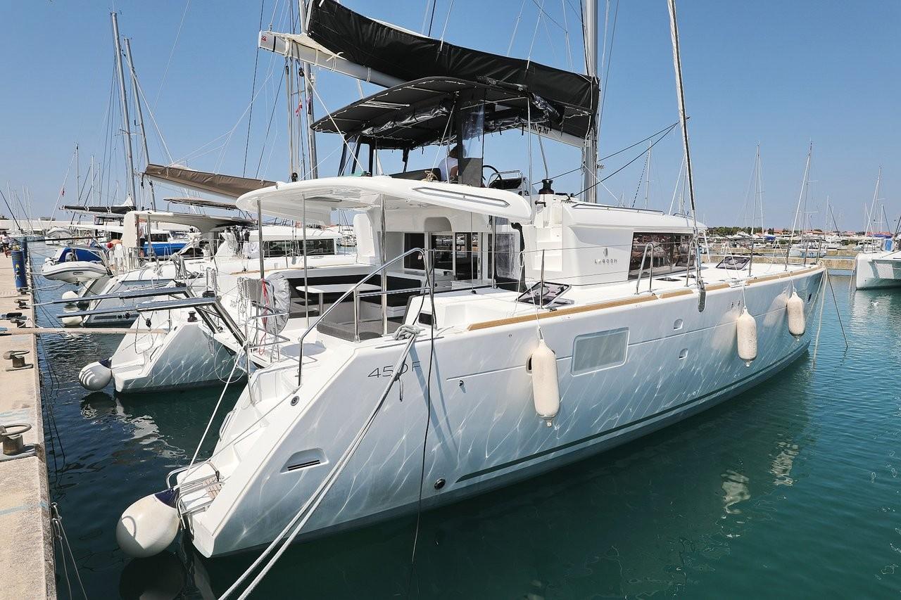Lagoon 450 F, HOT STUFF | Katamaran Charter Kroatien