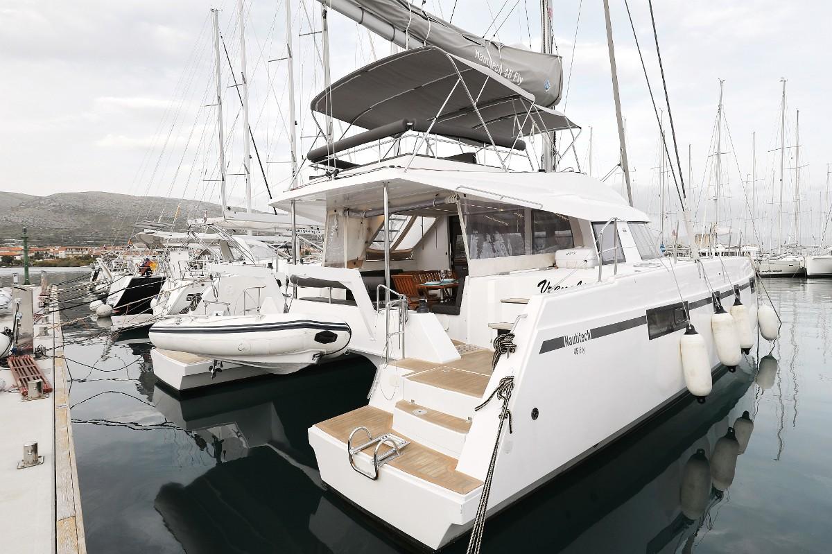 Nautitech 46 Vreneli | Katamaran Charter Kroatien